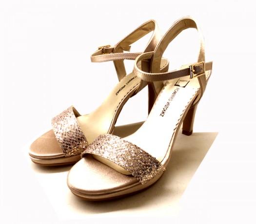 Sandalias en Oro Pomares Vazquez
